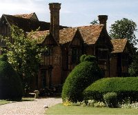 Dorney Court, Tudor house near Windsor (11932 bytes)