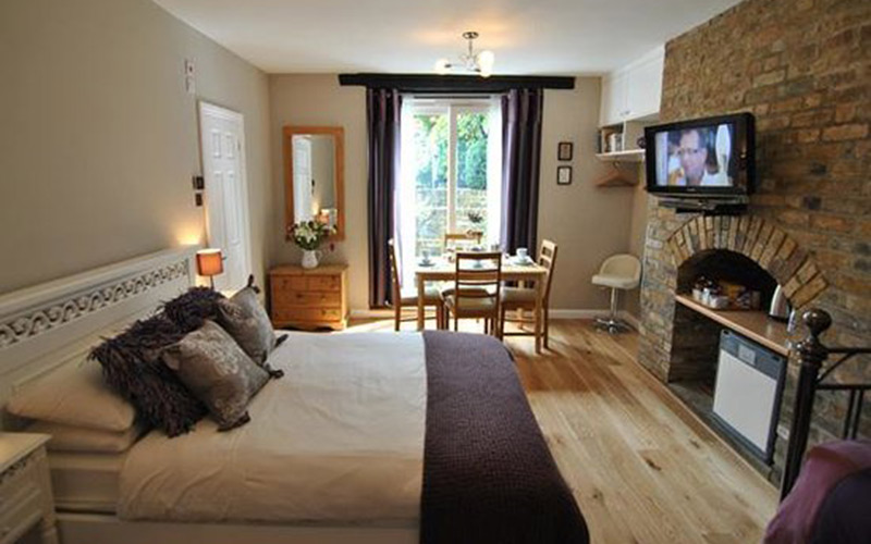 Alma House B&B Hotel Guest House Windsor Berkshire