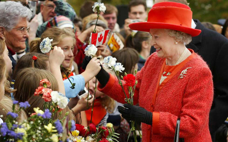 The-Queen-Royal-Family-London-Windsor-Berkshire-Travel-Tourism
