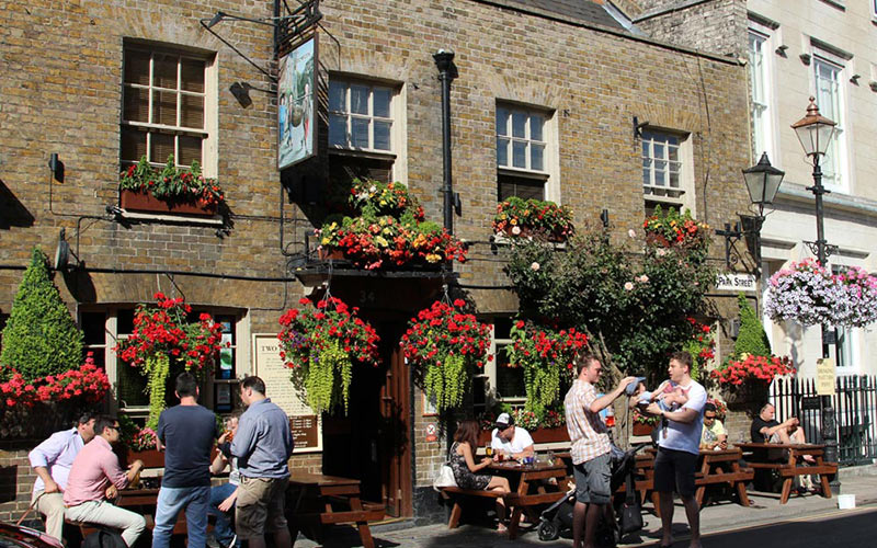 The-Two-Brewers-Pub-Windsor-Berkshire-Where-to-Eat-Drink